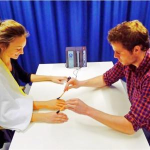 La ilusión de la mano de goma: un curioso efecto psicológico