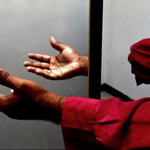 El miembro fantasma y la terapia de la caja espejo