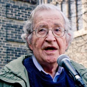 Noam Chomsky: biografía de un lingüista antisistema