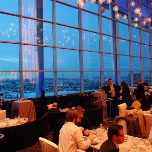 Los 10 trucos psicológicos que usan los restaurantes para cobrarte más
