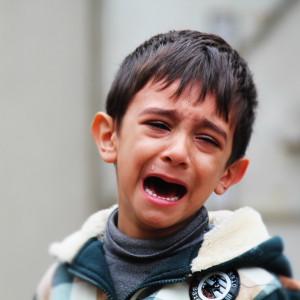 El niño inseguro: causas, señales y síntomas