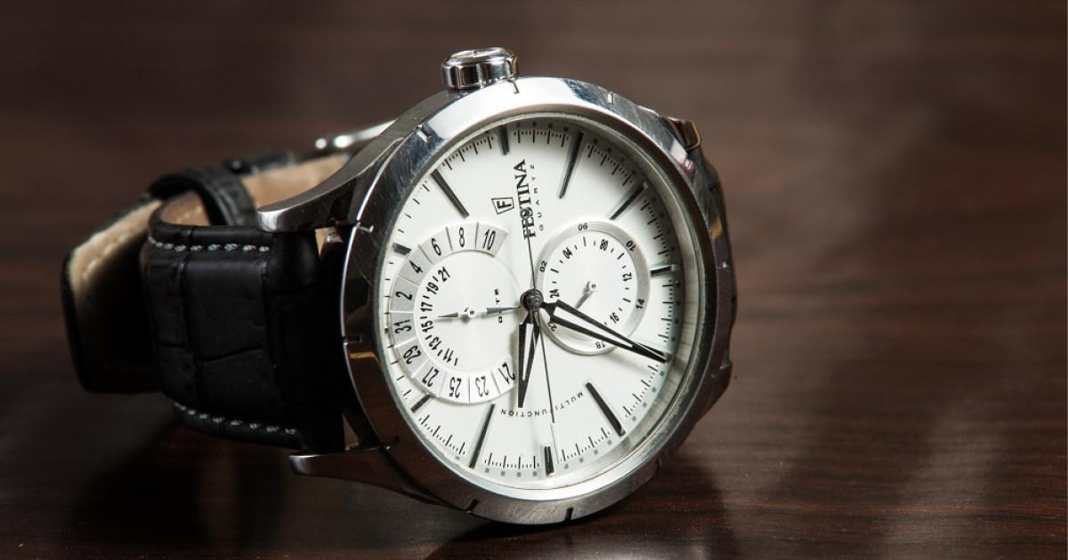 c964a5e1d5cd ¿En qué mano se pone el reloj