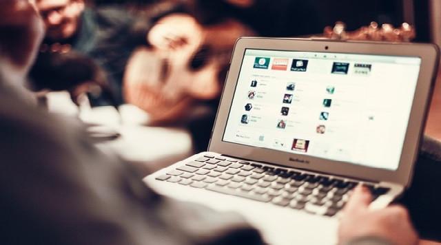 Facebook pone en peligro nuestras relaciones de pareja