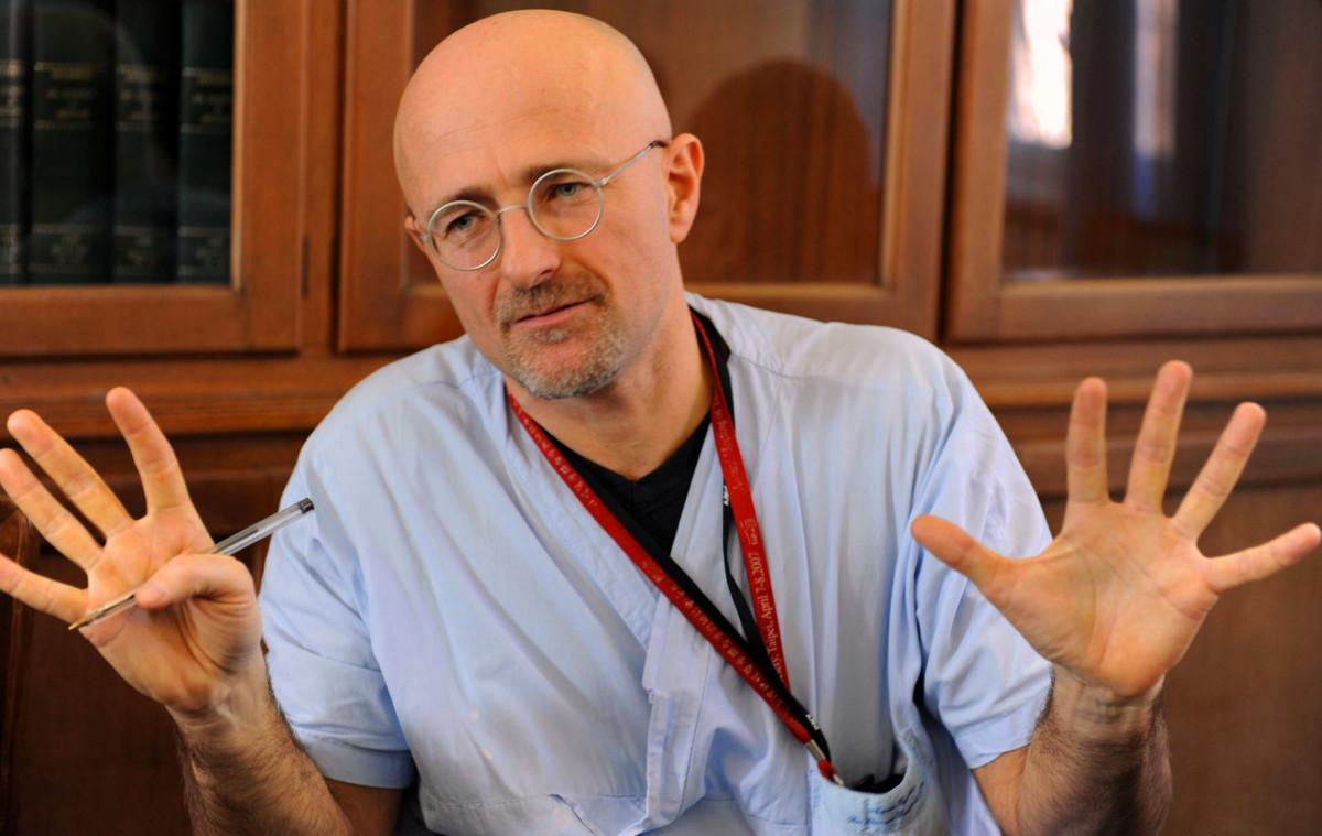 Un neurocientífico sostiene que el trasplante de cabeza es posible