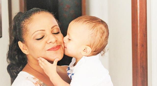 """La mirada de una madre y la función maternal: """"soy mirado, luego existo"""""""