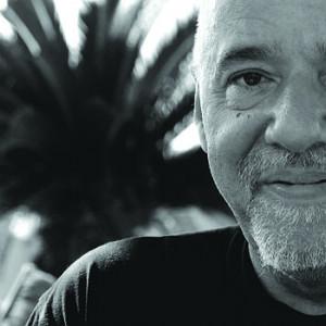 75 frases de Paulo Coelho (felicidad, amor, amistad...)