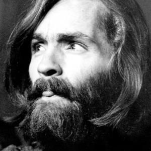 Charles Manson: la historia del líder de una secta asesina