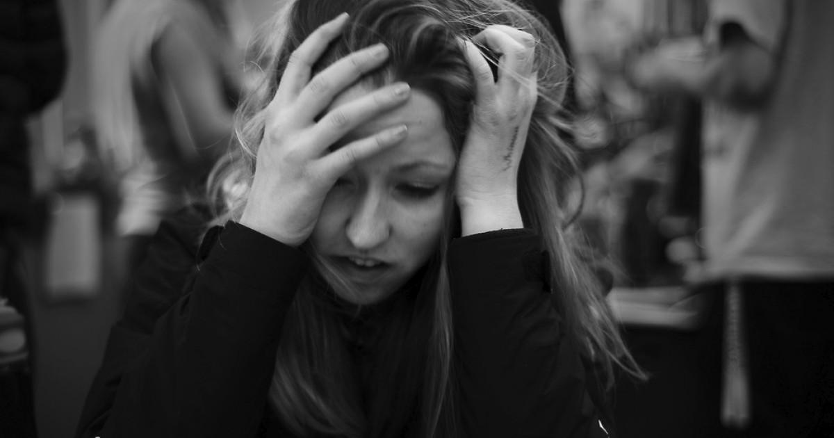 Estrés crónico: causas, síntomas y tratamiento