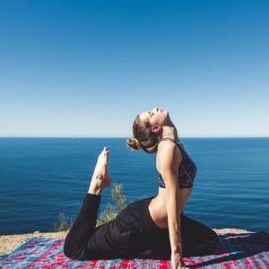 6 posturas de yoga para acabar con el dolor de espalda