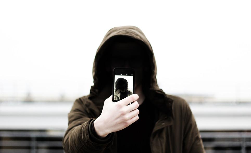 Depredadores sexuales en Internet: sus rasgos y estrategias de manipulación