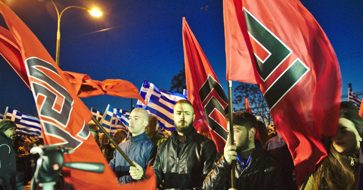 Las 12 señales de alerta del fascismo según Umberto Eco