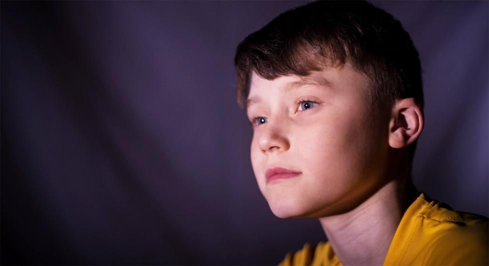 ¿Cómo se produce el desarrollo emocional en la infancia?