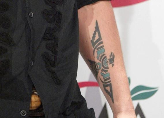 Tatuajes Que Signifiquen Fuerza Y Coraje Tatuajes Tattoos
