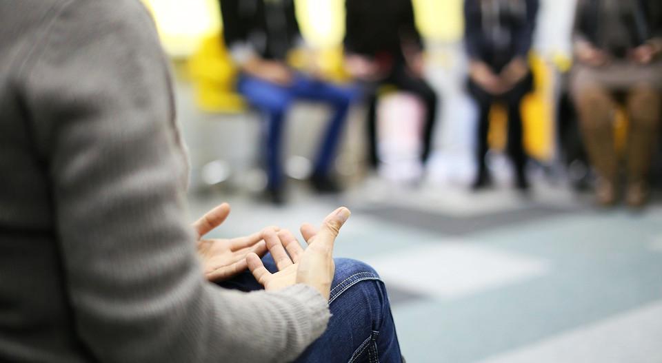 Terapia de grupo: historia, tipos y fases
