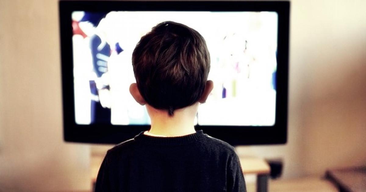 Los efectos negativos de la televisión en los niños