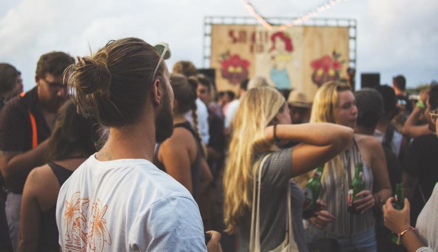 Enoclofobia (miedo a las multitudes): síntomas, causas y tratamiento
