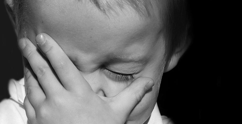 Por qué el maltrato verbal durante la infancia nos marca