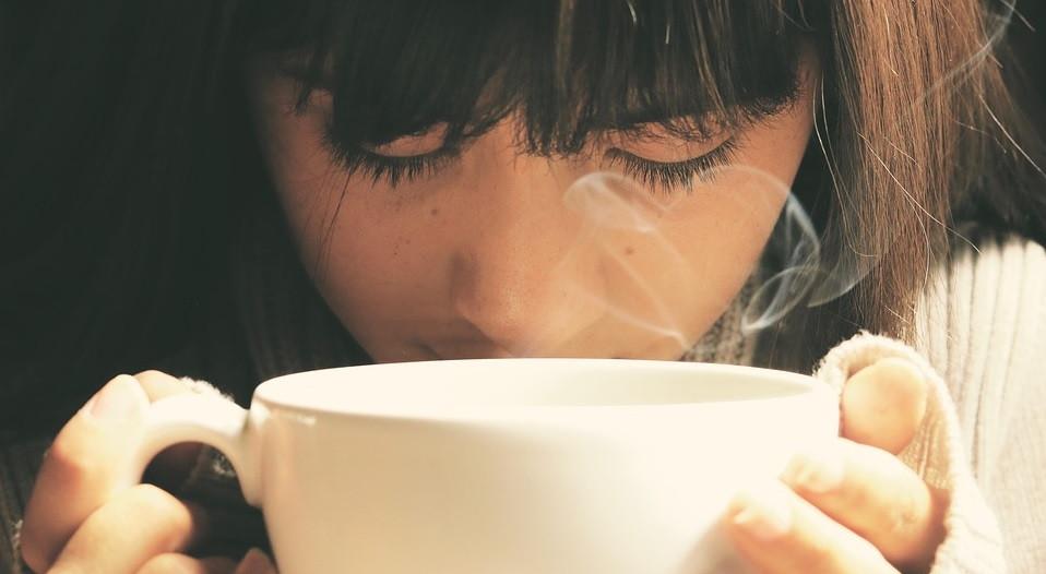Por qué puedes sentir soledad incluso cuando otros te acompañan